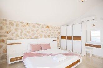 Villa Hira 2 by Akdenizvillam
