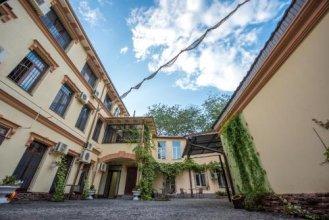 TsaTsa Hotel