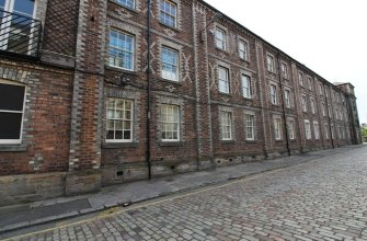 1BR Stylish Flat in 1860's Listed Building for 5