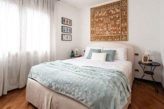 Garibaldi Deluxe Apartment
