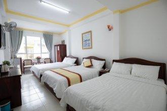 Tropicana Hotel 2