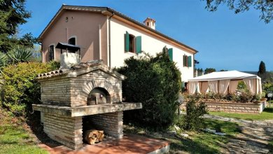 Villa With 5 Bedrooms in Sirolo, With Wonderful sea View, Private Pool and Wifi - 4 km From the Beach