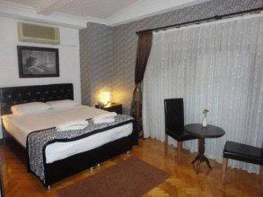 10 Suites Hotel