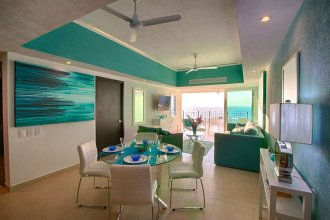 Stunning Upgraded Condo All Oceanfront