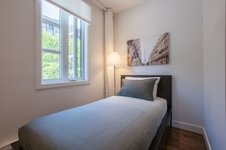 LMVR - LuxApt 3 - 7 bedrooms 2 bathrooms