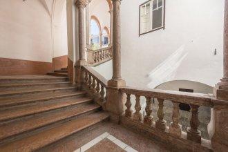 Casa degli Affreschi Palazzo Lungarini