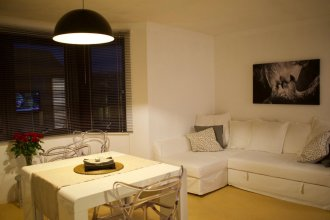 2 Bedroom Central Apartment by Leith Walk