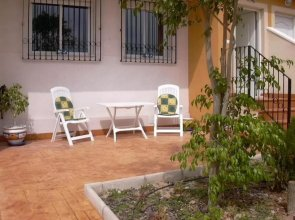 House With 4 Bedrooms in Orihuela, With Pool Access and Enclosed Garde
