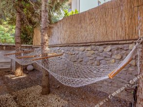 1 Luxury Party Villa with Pool Gameroom Spa Zen Yard