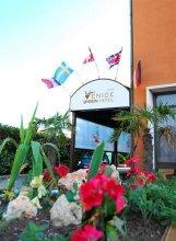 Byron Venice Hotel