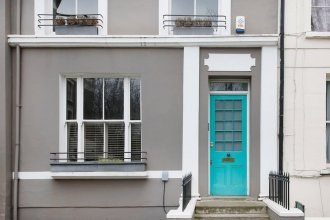 Stunning 2 Bedroom Apartment With Garden in Notting Hill