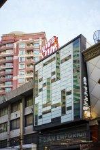 LiveitUp Asok Hostel