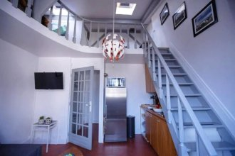 Historic Latin Quarter Loft for up to 4 Guests!