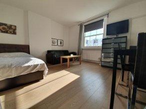 Studio Apartment in South Kensington 8