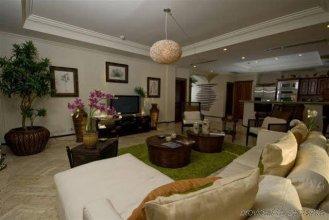 Aquamarina Luxury Residences