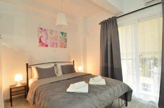 Metaxourgeio A, a minimal apartment
