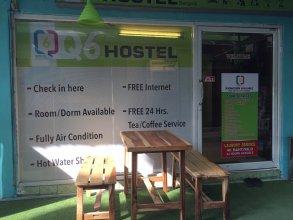 Q6 At 6 - Hostel
