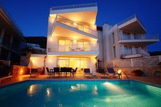 Villa Yali by Akdenizvillam