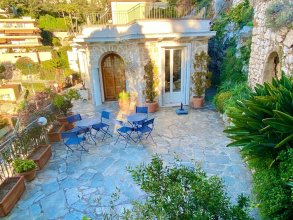 House with 3 Bedrooms in Villefranche-Sur-Mer, with Wonderful Sea View, Enclosed Garden And Wifi - 3 Km From the Beach