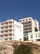 Apartamentos Albamar II