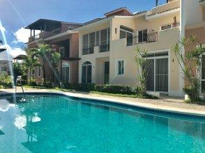 Los Corales Villas & Apartments