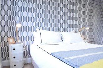 Modern 1 Bedroom Apartment in Victoria