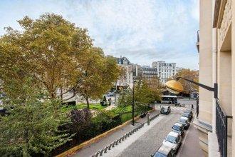 Bright Champerret Apartment Fits 4 in Paris 17th!