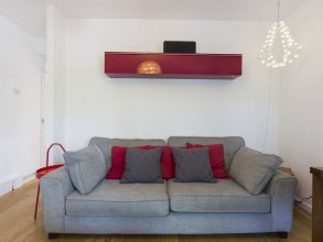 Recently Renovated 2BR Flat in South East London