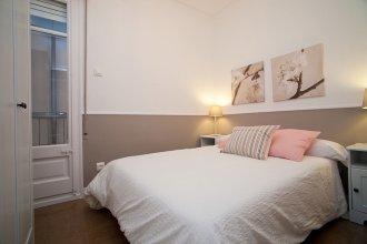 Cute & Spacious Eixample Apartment