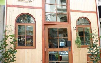 Barn & Bed Hostel