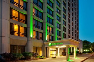 Holiday Inn & Suites Downtown Ottawa