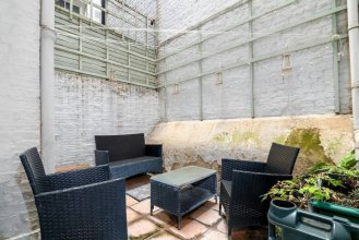 Charming 2 bed Home in West Kensington, Fits 4
