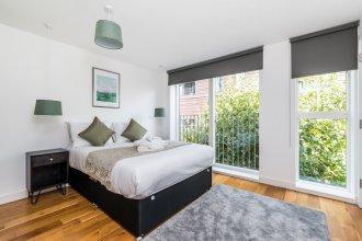 Stylish 3 Bedroom Flat With Balcony Shoreditch