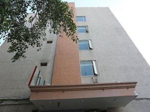 OYO 645 Hotel Tourist Deluxe