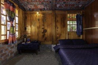 Hmong Sister House - Hostel