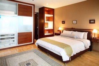 Central Bangkok 2+1 Bedroom Apartment on Soi 18