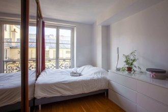 Super Cozy Home for up to 4 Guests in Les Halles
