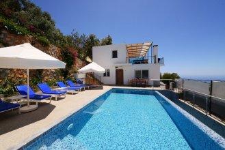 Villa Baris by Akdenizvillam