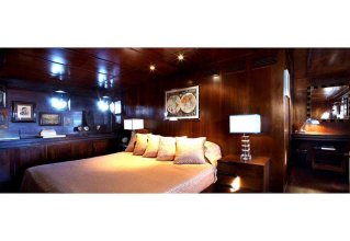 Luxury Yacht MM2