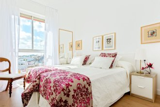Wonderful Location in La Magdalena Square 2 BD Apartment With Great Views. San Pablo IV