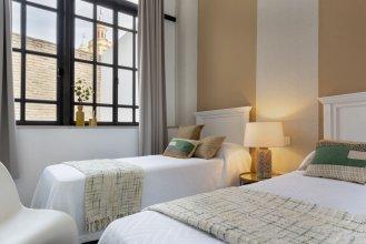 Large House 254m2 & 4bedrooms & 3bathrooms and Amazing Terrace. Alhondiga