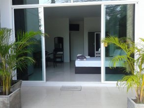 But Different Phuket Guesthouse