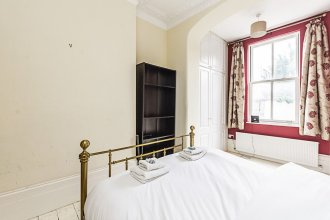 Westbourne Road · Lovely 2 Bed Apartment Near Paradise Park