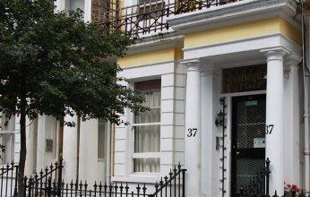 Collingham Place Apartment