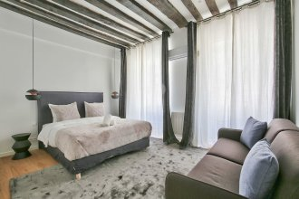69 - Authentic Parisian Home
