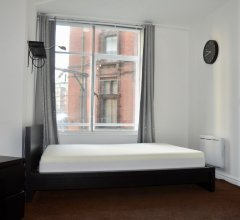 Spacious 3 Bedroom Apartment in Manchester