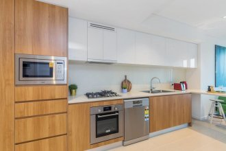 SKY Heart of BNE City 2bed APT Pool& Gym Qbn222-18