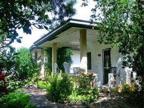 Lapu Lapu Cottages and Restaurant