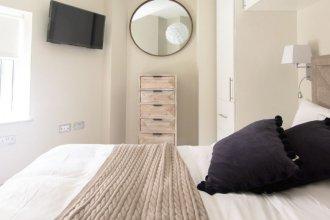 Апартаменты The Soho Loft - Elegant & Modern 1bdr in Soho