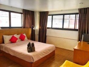 I Room Hotel